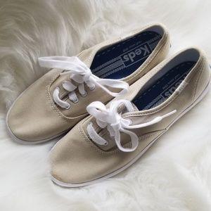 Size 7 Keds